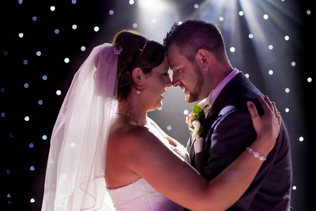 wedding photographer for ipswich suffolk
